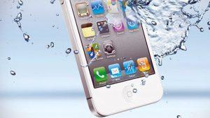 если iPhone упал в воду