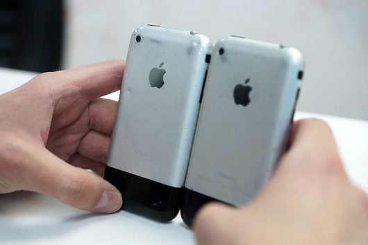первый смартфон Apple