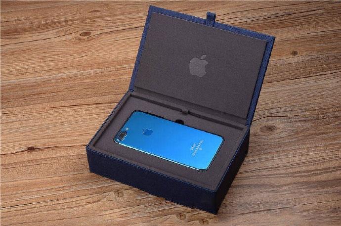 iPhone 7 в новом цвете Blue Shade