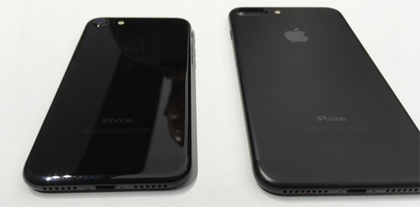 iPhone 7 Plus «черный оникс»