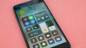 выключить Wi-Fi и Bluetooth в Пункте управления