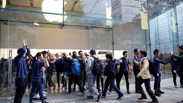 продажи iPhone X