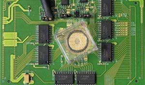 Устройство с 1 миллионом ячеек PCM-памяти